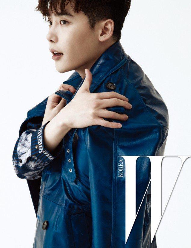 Lee Jong Suk يتحدث عن الصعوبات درامته الجديدة W في صور