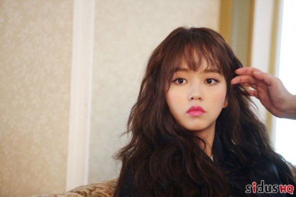 kim-so-hyun_1478103788_cwoxu_zuiaad2mx