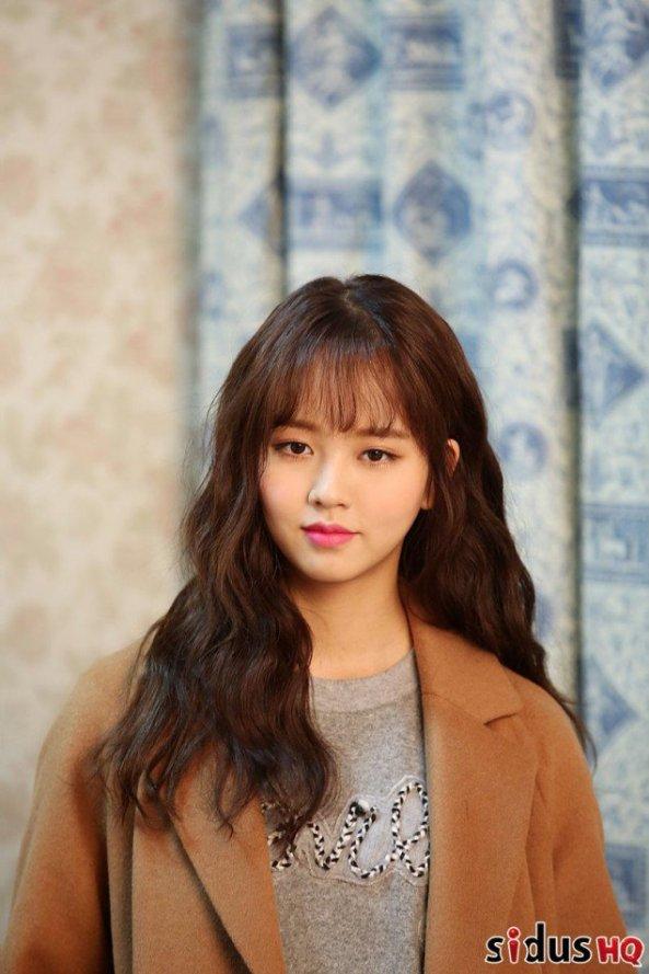 kim-so-hyun_1478103790_cwoyp3dueaahw_i